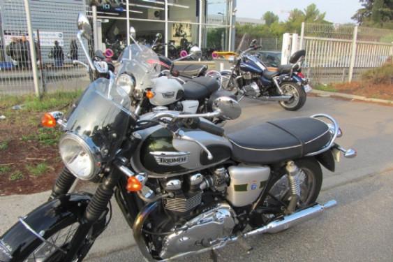 Balade moto special bonneville et gamme custon